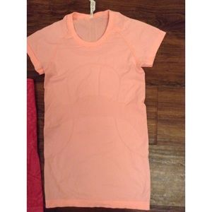 Lululemon light pink T-shirt size 4